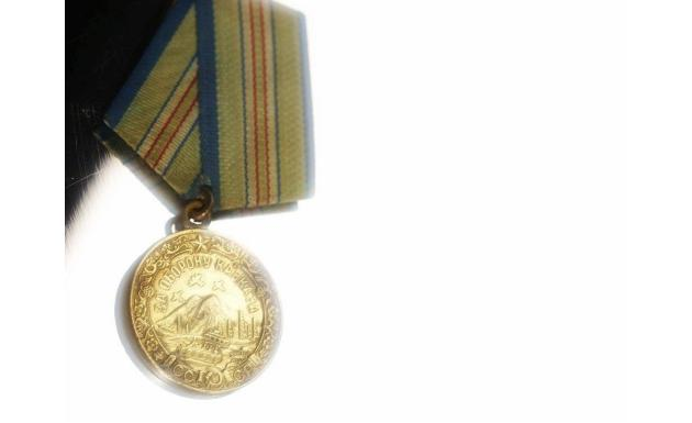 Медали - обои к дню победы