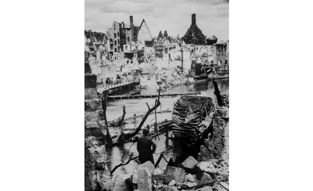 Нюрнберг взят американцами 20 апреля 1945