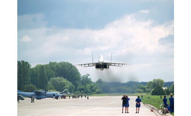 МиГ-29 проход