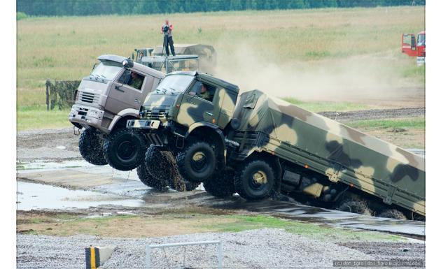 Военный и гражданский КАМАЗ-6350