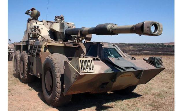 155мм самоходная гаубица G6 Rhino (Носорог)