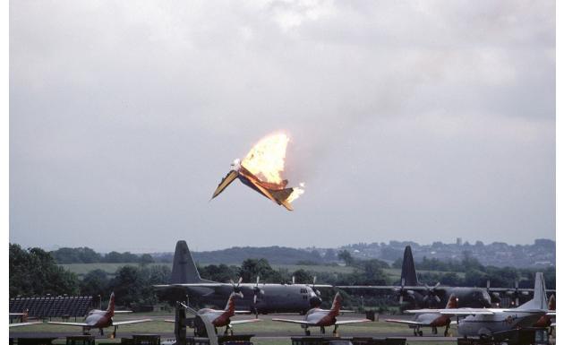 МИГ-29. Столкновение пары на авиашоу. Fairford, Англия