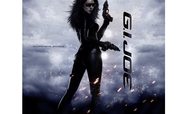 Бросок кобры - девушки с оружием